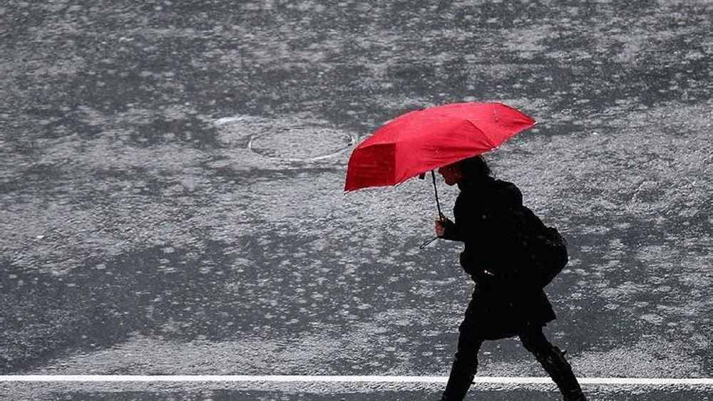 Ισχυρές βροχές και χιόνια αύριο, πιθανώς και στην Αττική, με σημαντική πτώση της θερμοκρασίας