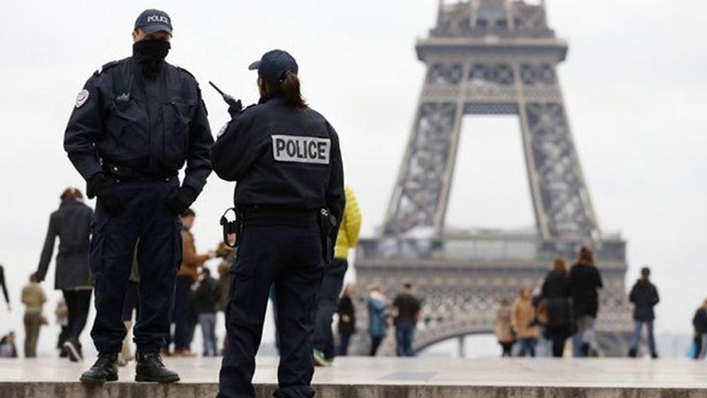 Γαλλία: Συνελήφθη ένας άνδρας ο οποίος περιφερόταν κρατώντας ματσέτα στο Παρίσι