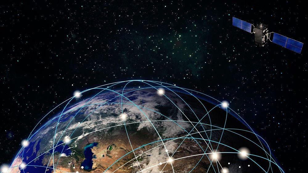 Η Google έκλεισε συμφωνία με τη SpaceX του Μασκ για το δίκτυο δορυφορικού internet Starlink