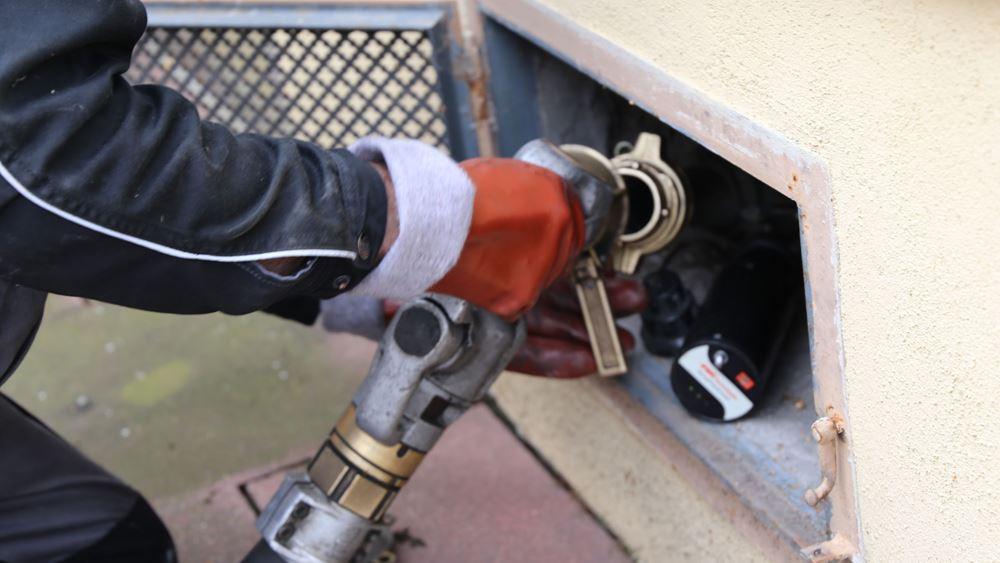 Απεργία των τελωνειακών απειλεί να «στεγνώσει» την αγορά καυσίμων