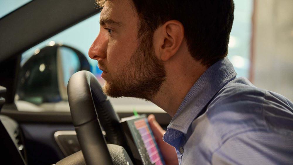 Πως πρέπει να μυρίζει το εσωτερικό ενός καινούργιου αυτοκινήτου;