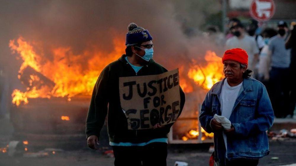 Η αστυνομία συνέλαβε ζωντανά στον αέρα δημοσιογράφο του CNN που κάλυπτε τις διαδηλώσεις στη Μινεάπολις