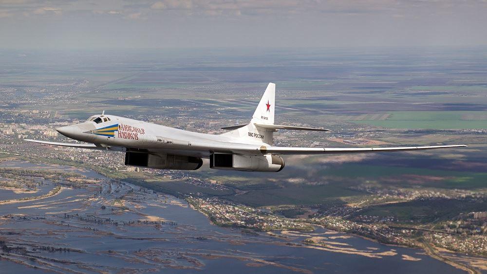Ρωσία: Εκπαιδευτικές πτήσεις ρωσικών βομβαρδιστικών Tu-160 πάνω από τη Βαλτική Θάλασσα