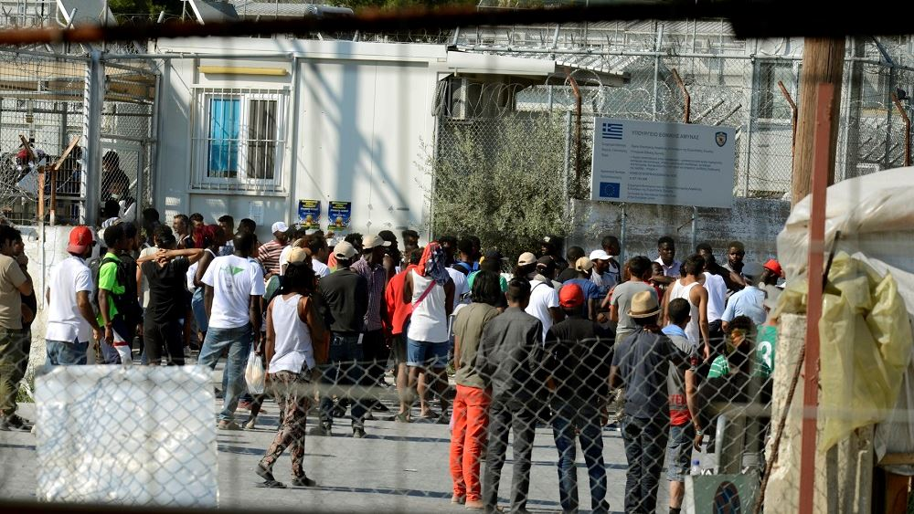 Υπ. Προστασίας του Πολίτη: Αναζητά να μισθώσει καταλύματα για στέγαση  προσφύγων απ' τη Μόρια