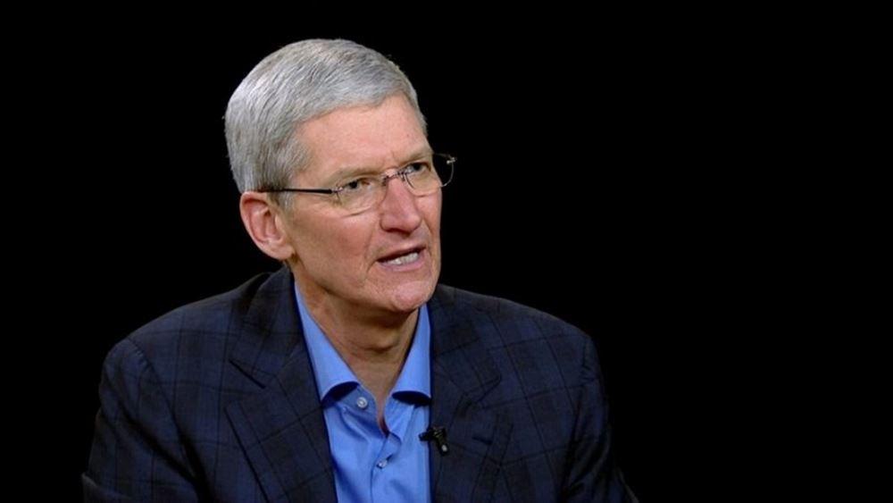 Εμπορικός πόλεμος: Ο διευθύνων σύμβουλος της Apple Τιμ Κουκ προειδοποίησε εναντίον των δασμών