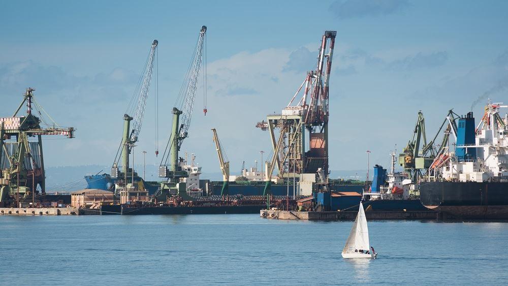 La Repubblica: Σε κινεζικά χέρια περνά το λιμάνι του Τάραντα