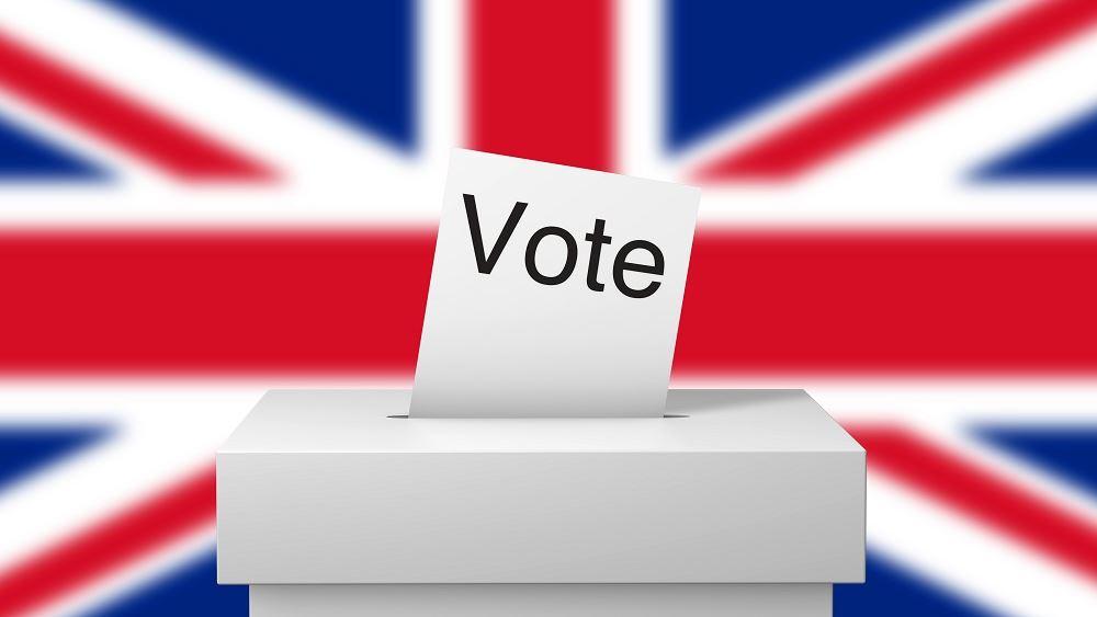 Εκλογές Βρετανία: Προβάδισμα 8-17 μονάδων δίνουν οι δημοσκοπήσεις στους Συντηρητικούς