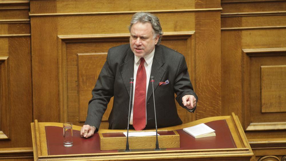 """""""Πυρά"""" ΣΥΡΙΖΑ στη Βουλή για επίσκεψη Μητσοτάκη στις ΗΠΑ"""