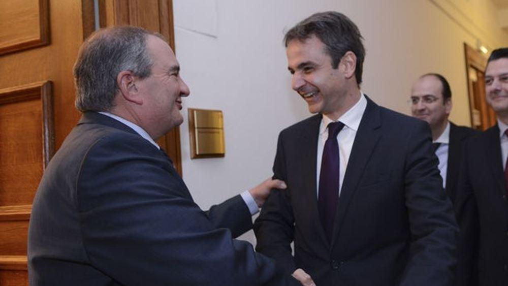 Με τον Κ. Καραμανλή συναντήθηκε ο Κ. Μητσοτάκης, τον Α. Σαμαρά θα δει την Πέμπτη