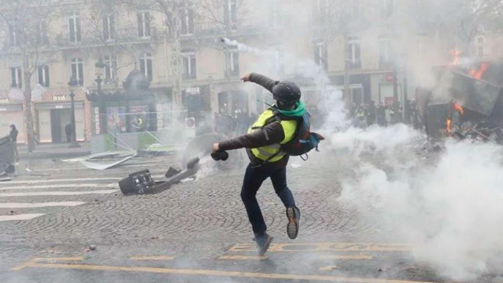 Γαλλία: Συγκρούσεις διαδηλωτών με την αστυνομία στο Παρίσι