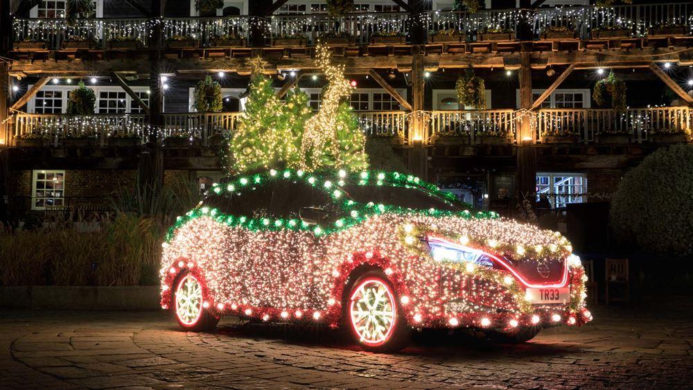 Καθ' οδόν για τα Χριστούγεννα με το Nissan LEAF