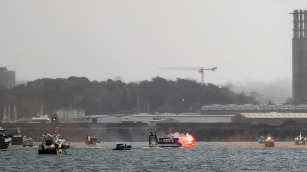 Αποκλιμάκωση στη νήσο Τζέρσεϊ - Αποχωρεί και το βρετανικό ναυτικό, μετά την αποχώρηση των Γάλλων ψαράδων