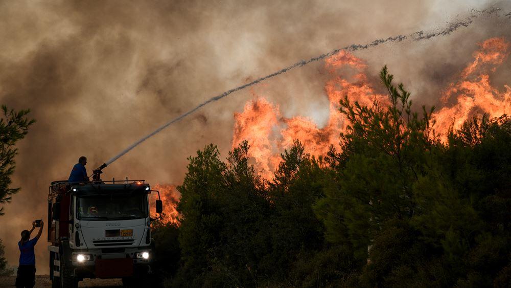 Ολονύκτια μάχη με τις αναζωπυρώσεις θα δοθεί σε Πάρνηθα, Θρακομακεδόνες και Άγιο Στέφανο
