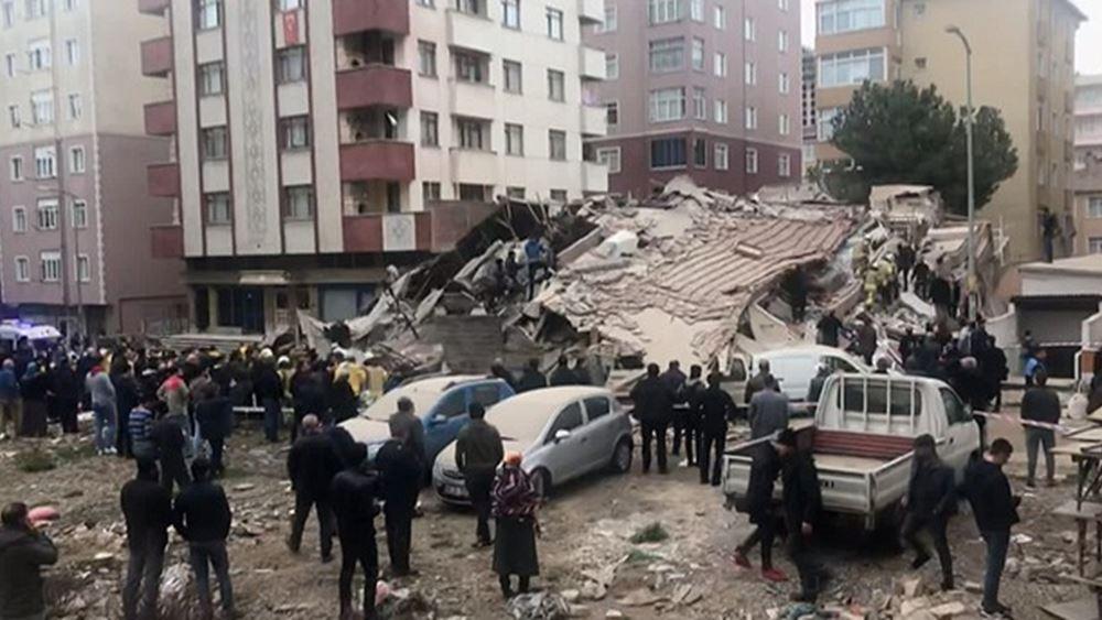 Κωνσταντινούπολη: Έφηβος διασώθηκε δύο ημέρες μετά την κατάρρευση πολυκατοικίας