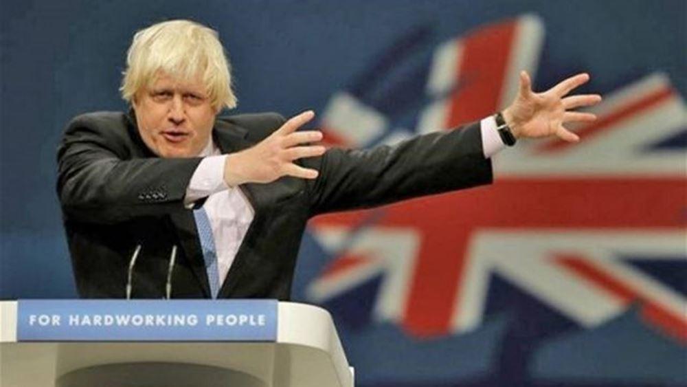 """Απειλή Τζόνσον για άμεσο τερματισμό της ελεύθερης κυκλοφορίας πολιτών σε περίπτωση """"σκληρού"""" Brexit"""