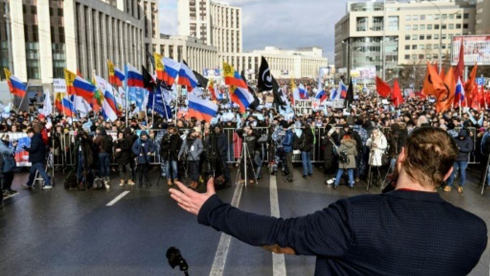 Η Ρωσία αντιμέτωπη με μια χρόνια επανάσταση αξιοπρέπειας