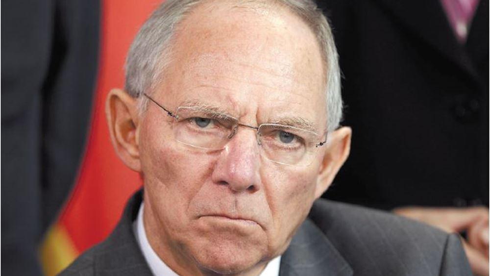 Γερμανία: Κριτική στις υπερεξουσίες της κυβέρνησης στην διαχείριση της πανδημίας ασκεί ο Σόιμπλε