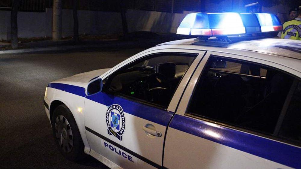 Συνελήφθησαν 21 άτομα για τις επιθέσεις εναντίον των ΜΑΤ σε Χίο και Λέσβο