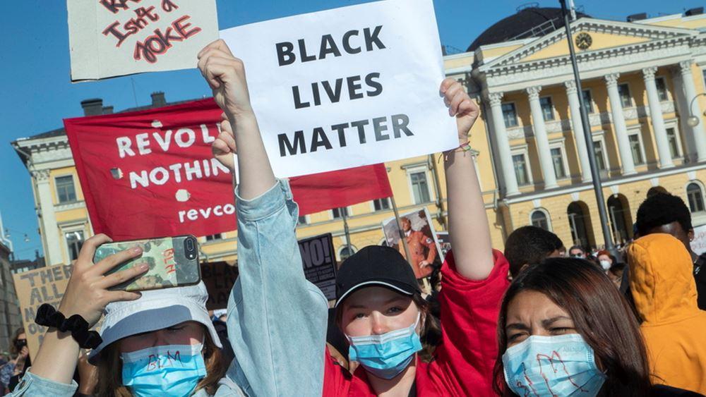 Αντιρατσιστικές διαδηλώσεις σε Ελσίνκι και Στοκχόλμη