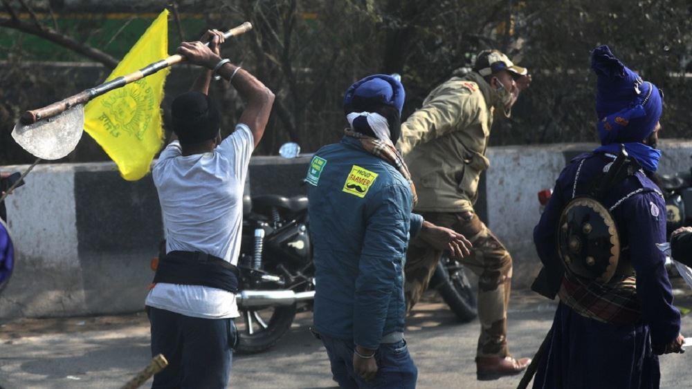 Ινδία: Συγκρούσεις στο Νέο Δελχί μεταξύ αγροτών και αστυνομίας