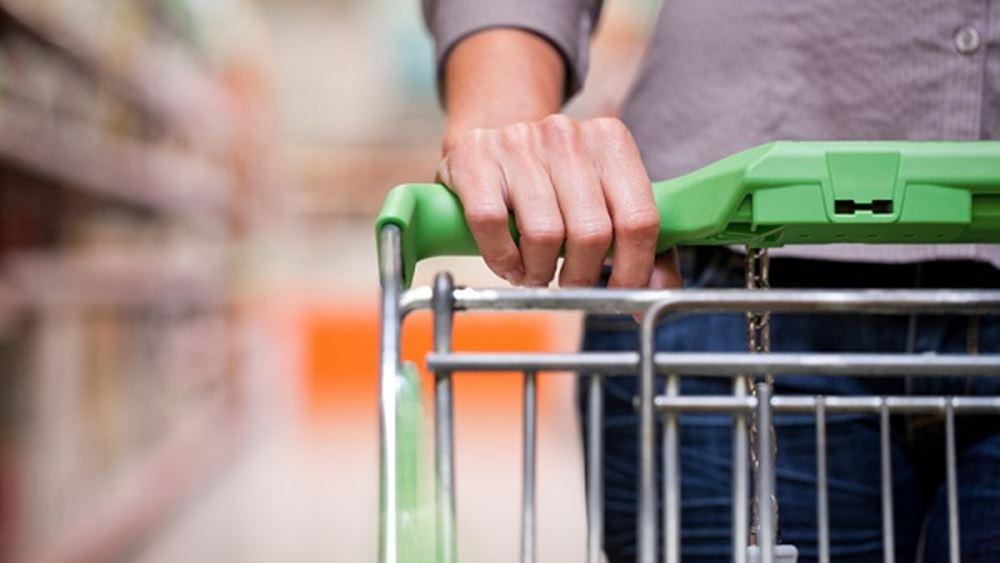 Σε ασφυκτικό κλοιό οι καταναλωτές – προκαλούν πιέσεις σε λιανεμπόριο & ΑΕΠ