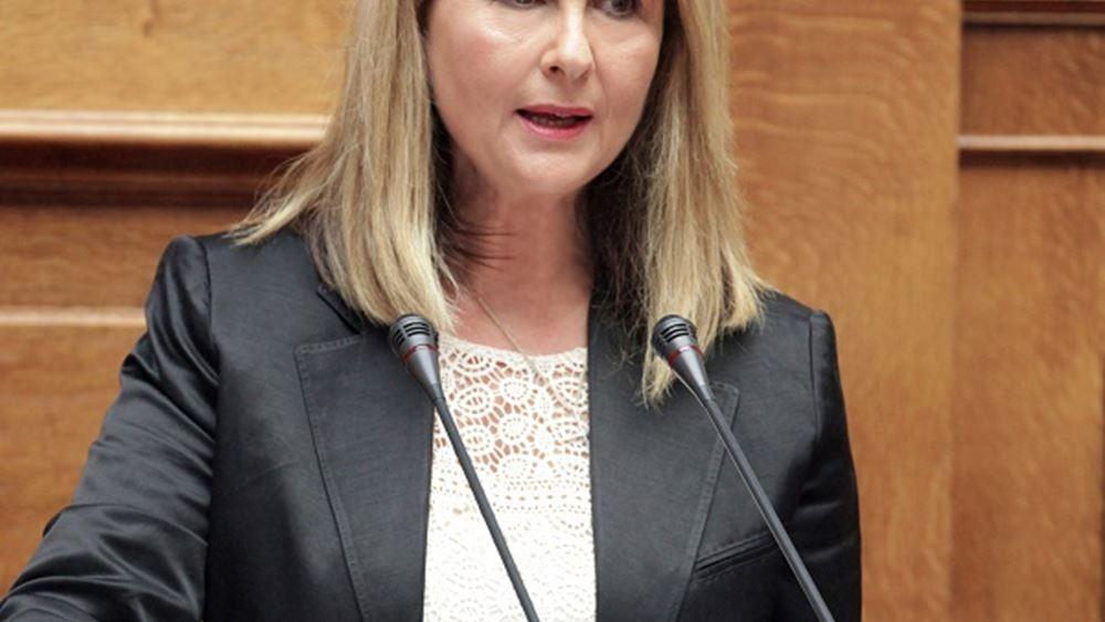 Σ. Βούλτεψη προς βουλευτές ΣΥΡΙΖΑ: Τρέξτε τώρα να βγάλετε ευρωβουλευτή την Κουντουρά