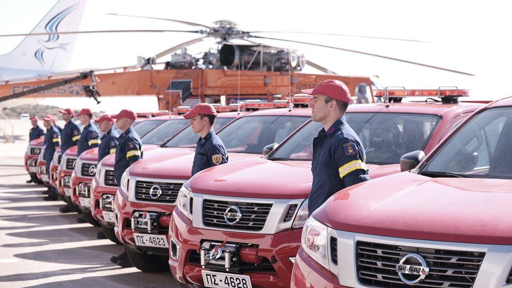 """Η """"Παπαστράτος"""" δώρισε 20 Nissan NAVARA στην Πυροσβεστική Υπηρεσία"""