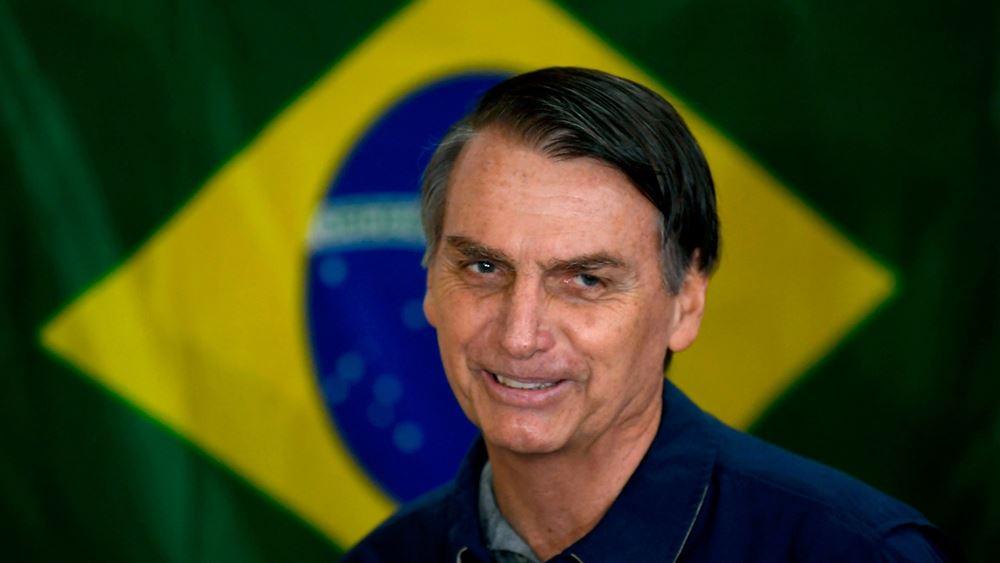 """Ο γιος του Μπολσονάρου αμφιβάλλει αν η """"αλλαγή"""" στη Βραζιλία θα έρθει """"δια της δημοκρατικής οδού"""""""
