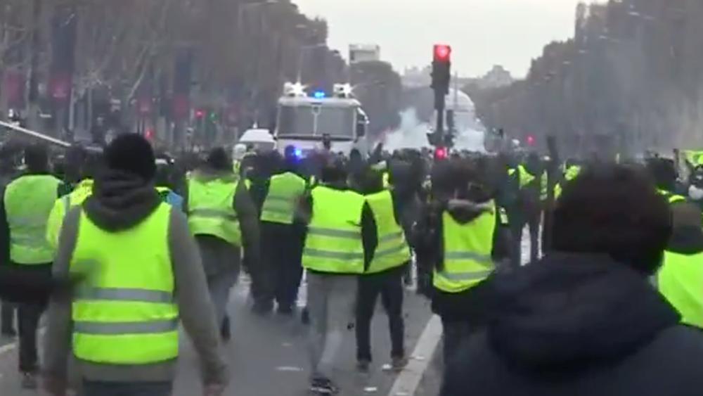 """Γαλλία: Εμπρηστές στοχοθέτησαν για δεύτερη φορά σεφ που κατήγγειλε τα """"Κίτρινα Γιλέκα"""""""