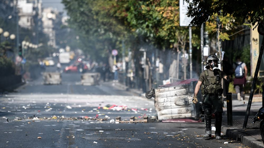 Ένταση στην ΑΣΟΕΕ - Φωτιές σε κάδους, κλειστή έμεινε για ώρα η Πατησίων