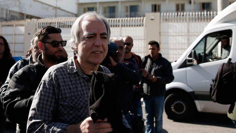 """Προσφυγή Κουφοντίνα στο ΣτΕ για να """"παγώσει"""" τη μεταγωγή του στον Δομοκό"""