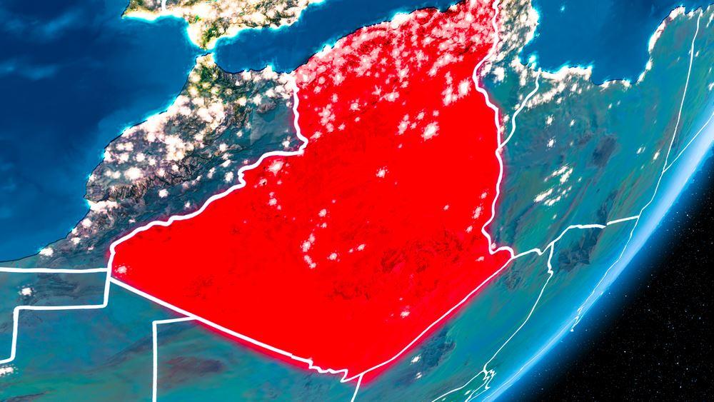 Η Αλγερία κλείνει εκκλησιές, οι πιστοί διαμαρτύρονται