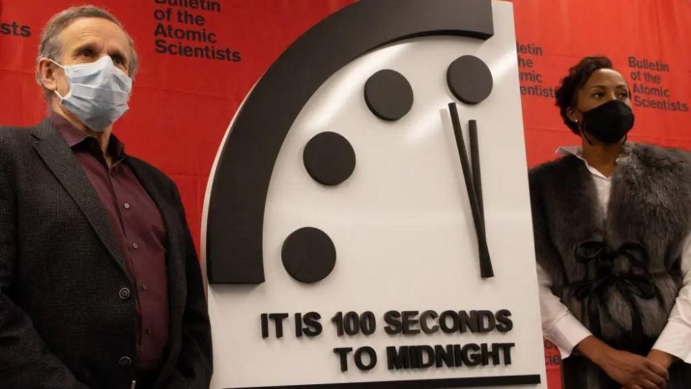 Οι δείκτες του ρολογιού της Αποκάλυψης παραμένουν πολύ κοντά στα μεσάνυχτα