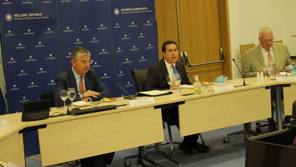 Το μεταναστευτικό στο επίκεντρο της συνάντησης Μηταράκη με τον διοικητή της CEB