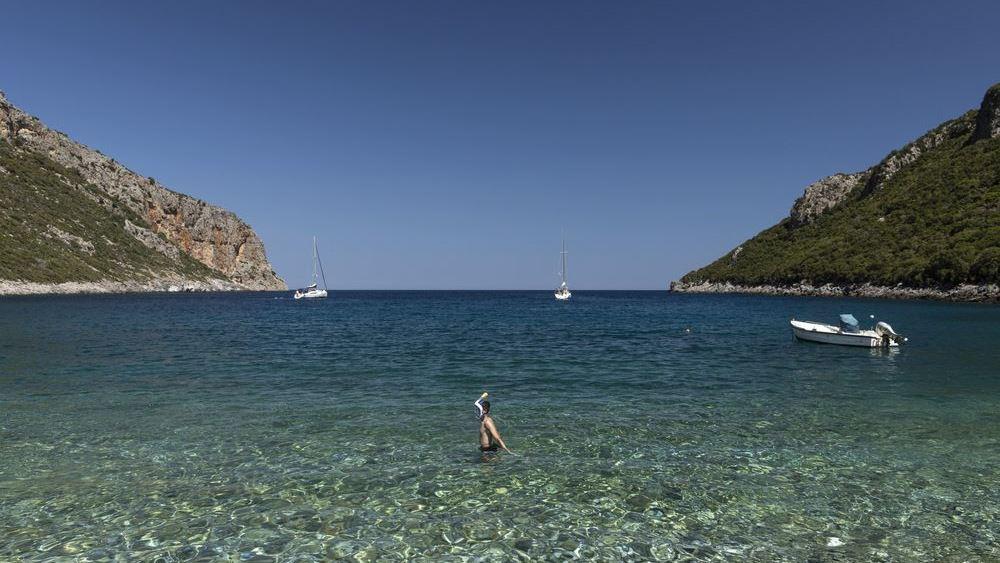 Όσοι Ευρωπαίοι τουρίστες αδυνατούν να ταξιδέψουν στην Ισπανία επιλέγουν... Ελλάδα