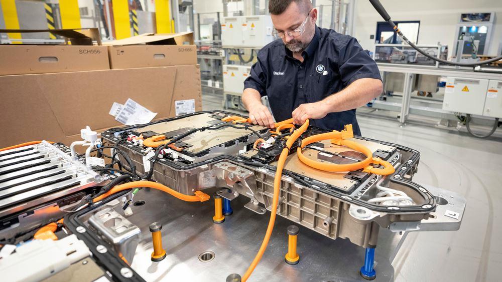 BMW: Διπλάσια παραγωγή μπαταριών