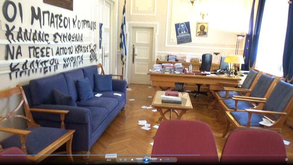 Παρέμβαση καθηγητών για τοελληνικό Πανεπιστήμιο μετά τις εικόνες ντροπής στην ΑΣΟΕΕ