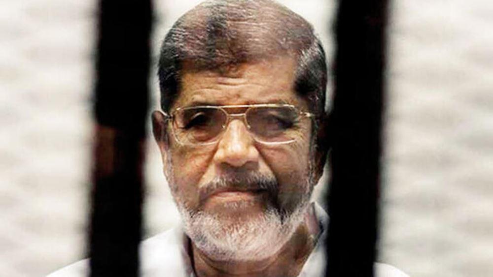 Στο Κάιρο ενταφιάστηκε ο πρώην πρόεδρος Μοχάμεντ Μούρσι