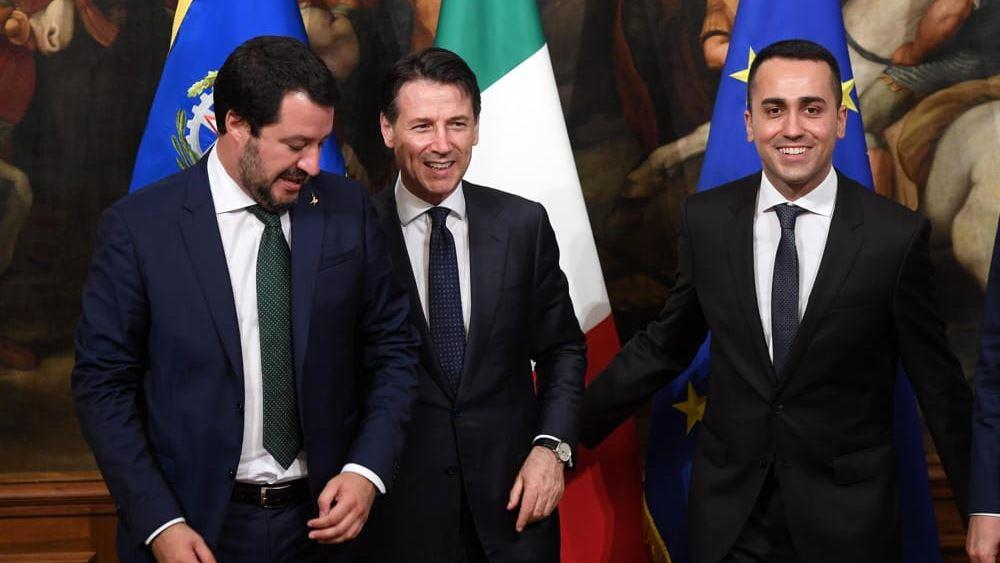 """Προς πρόωρες εκλογές η Ιταλία - Σαλβίνι: """"Δεν υφίσταται πλέον κυβερνητική πλειοψηφία"""""""