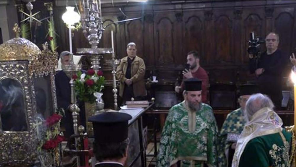 """""""Καμπάνα"""" και για τον τελετάρχη του Δήμου Κέρκυρας που παρευρέθηκε στη λειτουργία των Βαΐων"""