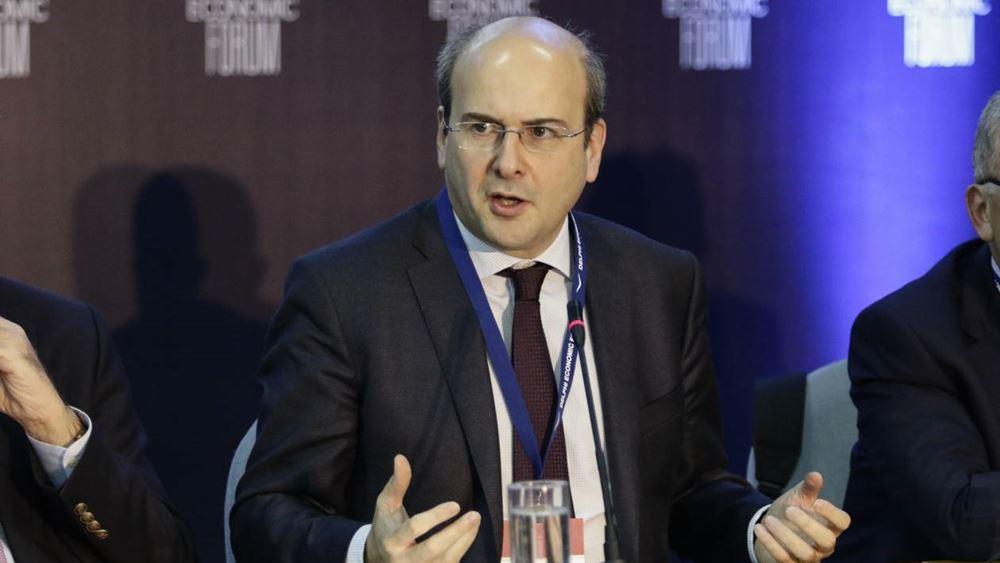 Κ. Χατζηδάκης: Οικολογικό μπόνους για την αγορά ηλεκτρικών οχημάτων - Απόσυρση πλαστικών μιας χρήσης