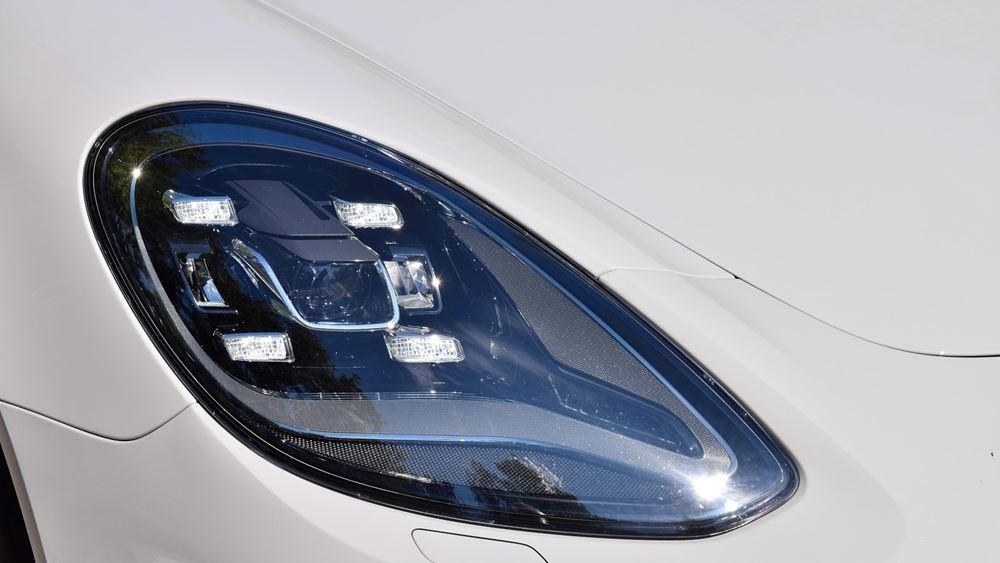 Μείωση κόστους και αύξηση κερδοφορίας ο στόχος της Porsche, για να επενδύσει στην ηλεκτροκίνηση