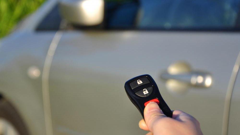 Βρετανία: Αυξάνονται οι κλοπές των αυτοκινήτων που ανοίγουν ανέπαφα