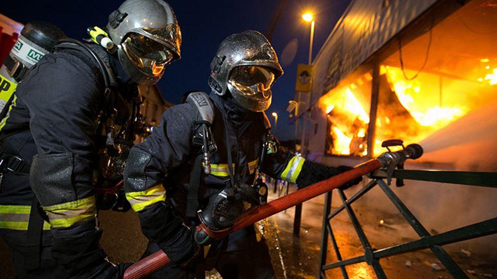 Πυρκαγιές στη νότια Γαλλία, περισσότεροι από 2.500 κατασκηνωτές απομακρύνθηκαν