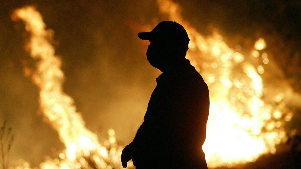 Ισπανία: Σε εμπρησμό οφείλεται η δασική πυρκαγιά στην Γκαλίθια, που εξακολουθεί να καίει εκτός ελέγχου