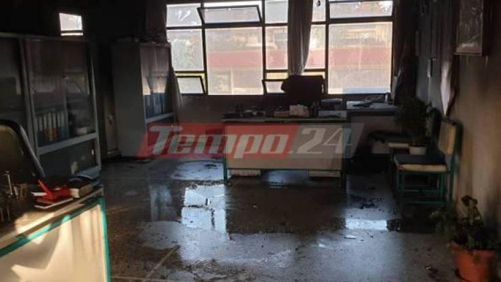 Πάτρα: Άγνωστοι δράστες έριξαν βόμβες μολότοφ σε γραφεία σχολείων