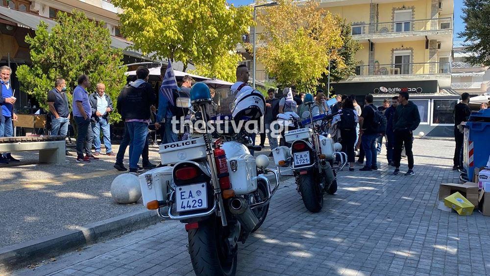 Θεσσαλονίκη: Ομάδα ακροδεξιών επιτέθηκε και τραυμάτισε μέλη της ΚΝΕ
