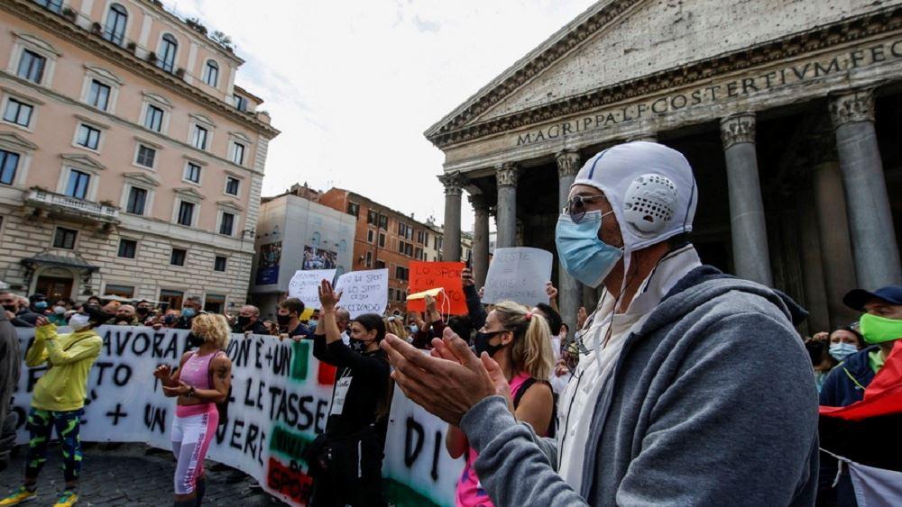 Ταραχές και πάλι λόγω κορονοϊού στην Ιταλία