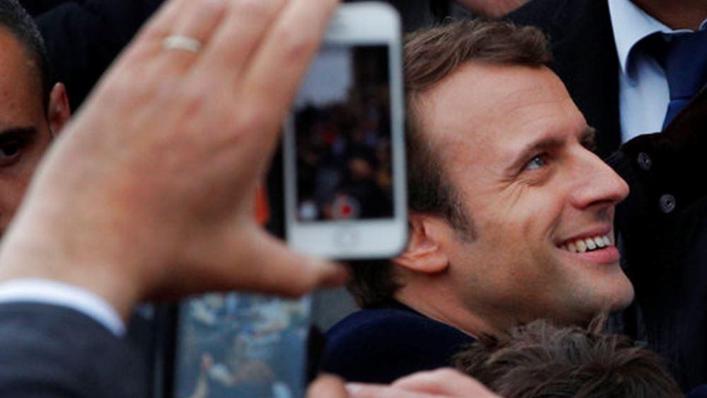 Δημοσκόπηση: Προς ευρεία πλειοψηφία οδεύει το κόμμα του Μακρόν