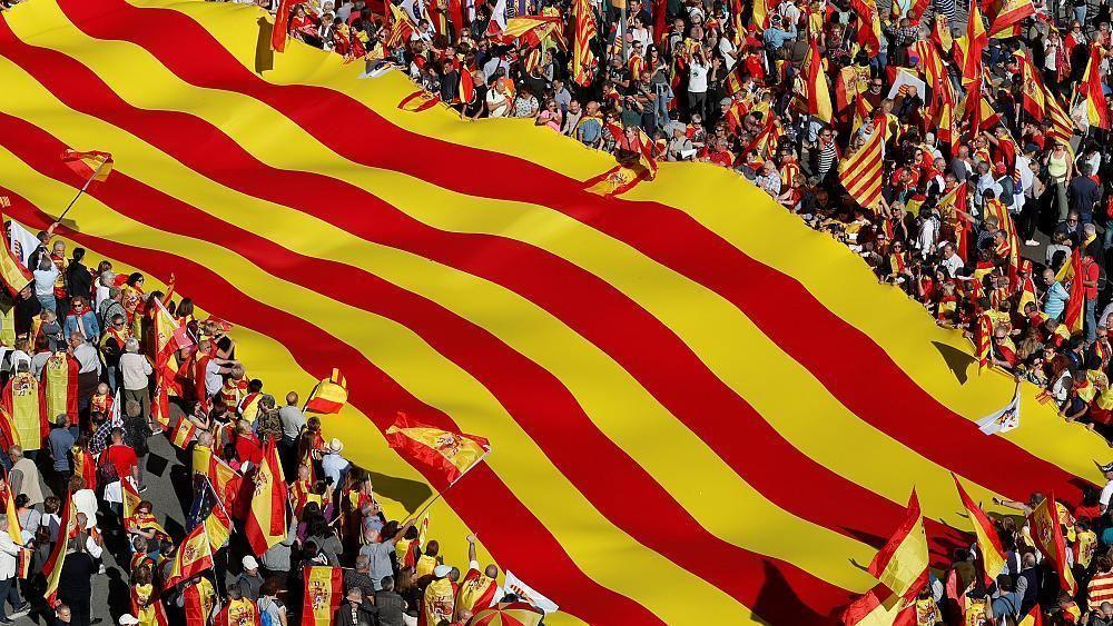 Εκατοντάδες χιλιάδες διαδηλωτές στη Βαρκελώνη